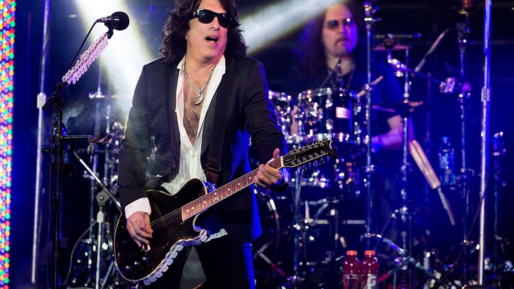 Paul Stanley, Nikki Sixx Spar Over Gene Simmons' Prince Comments