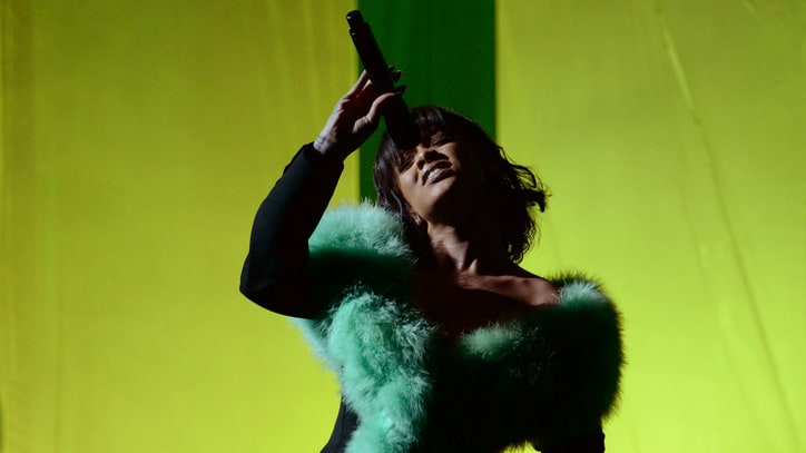 See Rihanna Channel Whitney Houston at Billboard Music Awards