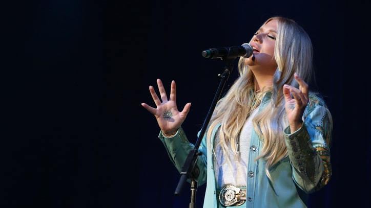 Watch Kesha's Empowering Cover of Bob Dylan's 'I Shall Be Released'