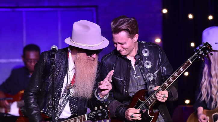 See Billy Gibbons Jam ZZ Top Hits With Frankie Ballard, Orianthi
