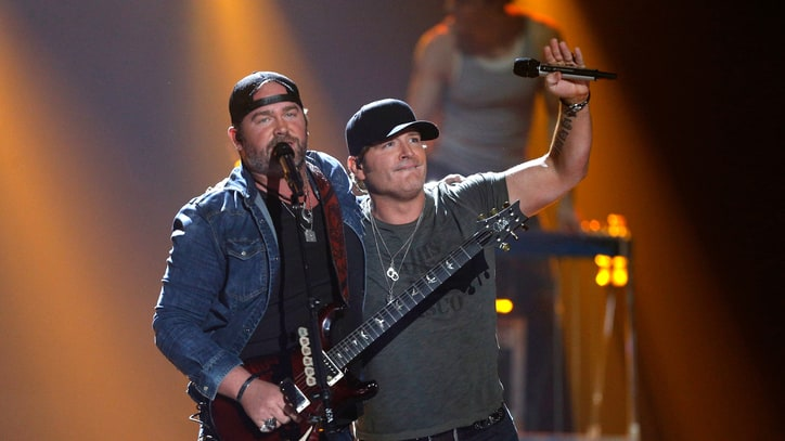 See Lee Brice, Jerrod Niemann's Summer Fantasy Video 'Little More Love'