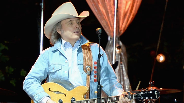Dwight Yoakam to Release Jack White-Produced Songs
