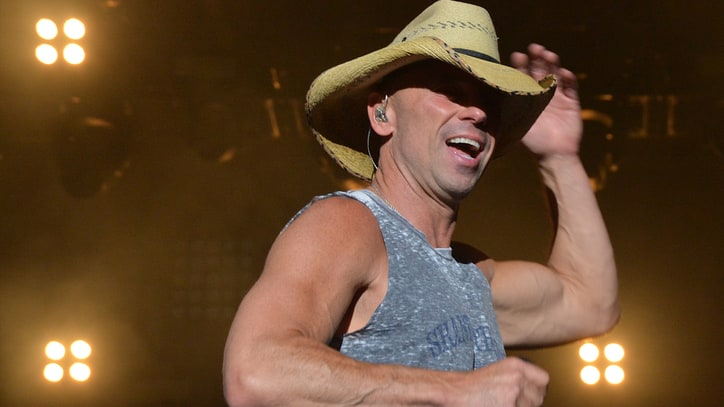See Kenny Chesney Dance With Miranda, Jam With Jake