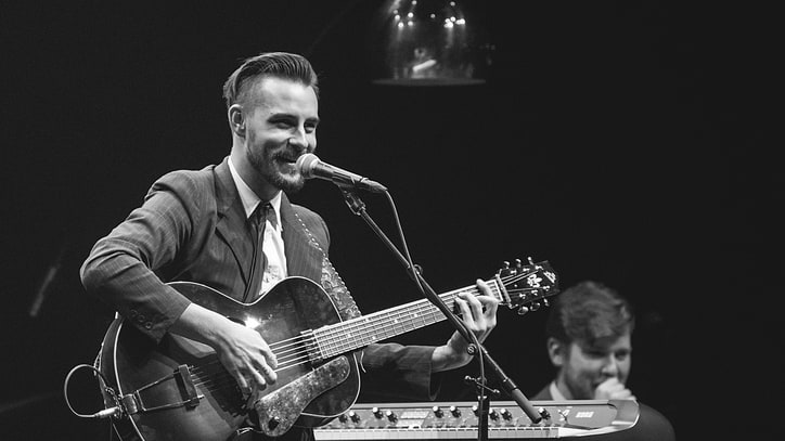 Robert Ellis on New Album, New York and Americana Snobs