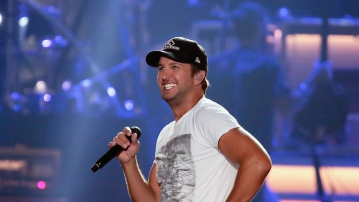 Luke Bryan Announces Dates for 2016 Farm Tour