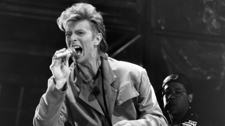 Flashback: David Bowie Sings 'Heroes' at the Berlin Wall