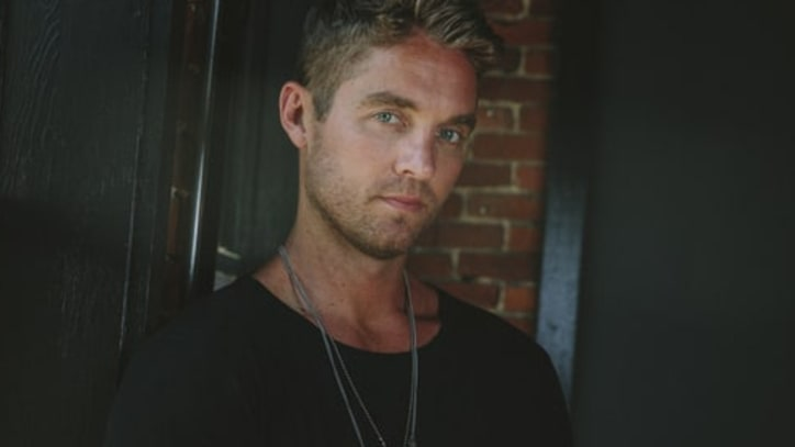 Watch Brett Young's Dreamy 'Sleep Without You' on 'Today'