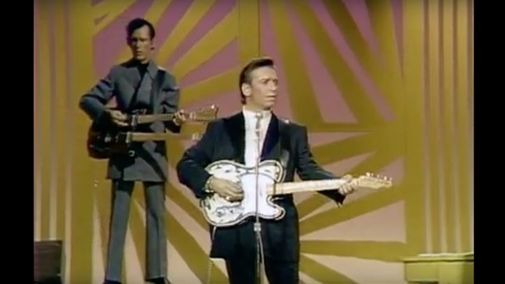 Flashback: See Waylon Jennings Sing 'Only Daddy' on Johnny Cash's Show