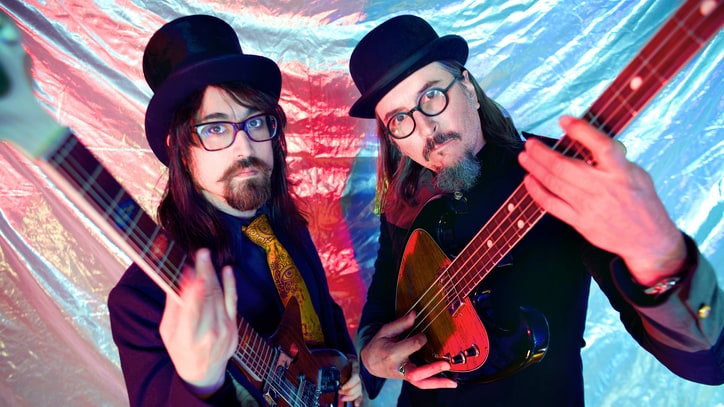 Inside Sean Lennon, Les Claypool's Oddball Superduo