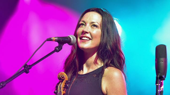 Amanda Shires Embraces Marriage, Motherhood on New Album