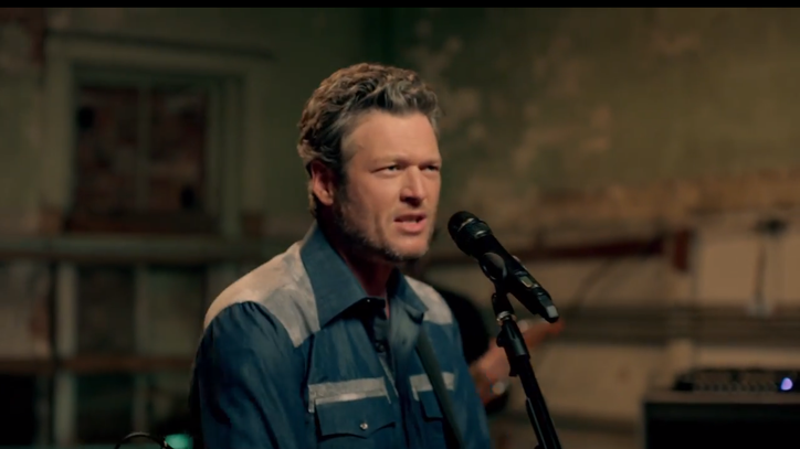 See Blake Shelton's Mellow 'She's Got a Way With Words' Video