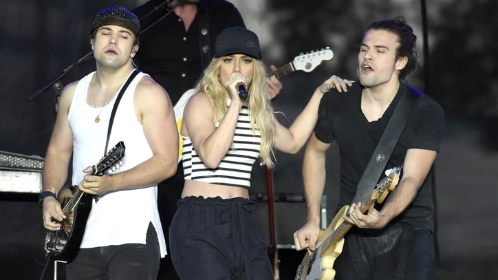 See the Band Perry Test New Pop-Leaning Tunes on the Road
