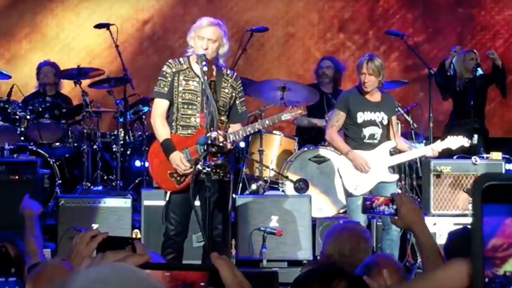 See Keith Urban Jam 'Rocky Mountain Way' With Joe Walsh