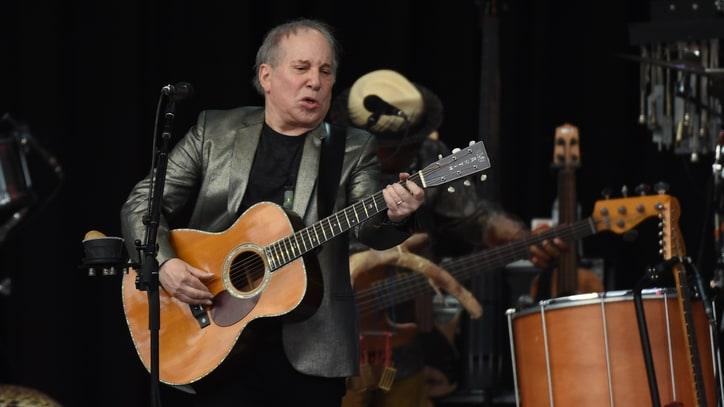 Paul Simon Shines Through Rain at Tour-Ending Home-Borough Show