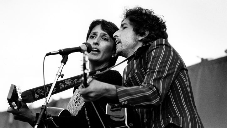 Flashback: Bob Dylan and Joan Baez Cover Jimmy Buffet in 1982