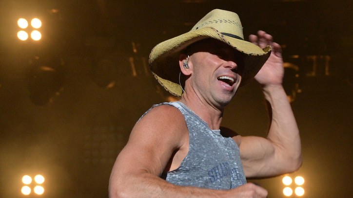 See Kenny Chesney's Surprise Duet with Billy Joel