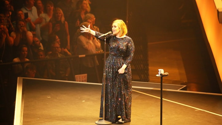 Adele Shows Off Vocal Mastery, Witty Banter at St. Paul Tour Kickoff