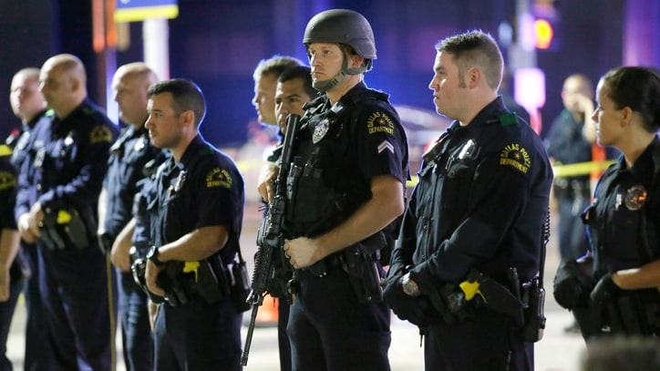 After Dallas, We Don't Need to Say 'Blue Lives Matter'