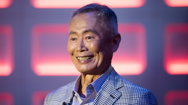 'Star Trek Beyond' Cast Defends Gay Sulu Against George Takei Criticism