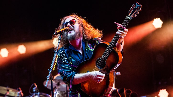 Hear My Morning Jacket's Stirring Song About Gun Violence