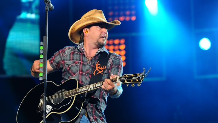Flashback: See Jason Aldean's Stunning Stage Entrance at Fenway Park