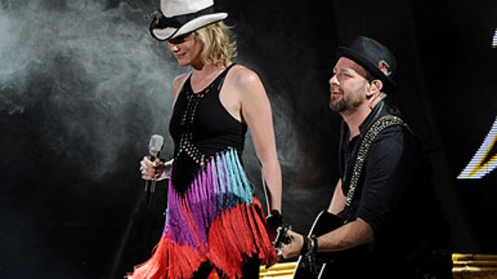 Sugarland Plan Memorial for Fans Lost in Stage Collapse