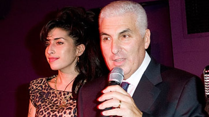 Amy Winehouse Foundation Delayed by Name Registration