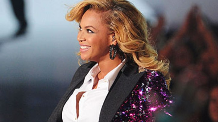 Beyoncé's Pregnancy Boosts Her Record Sales