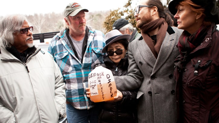 Yoko Ono and Sean Lennon Lead a Tour Through Fracking Country