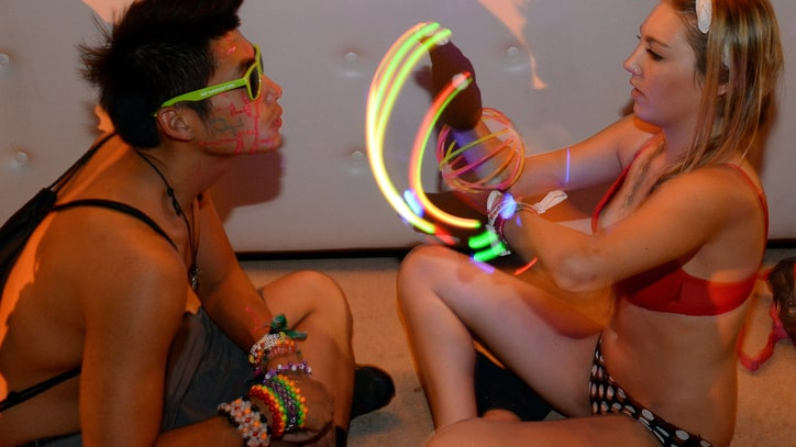 Show Us Your Hands: Inside EDM's Gloving Craze