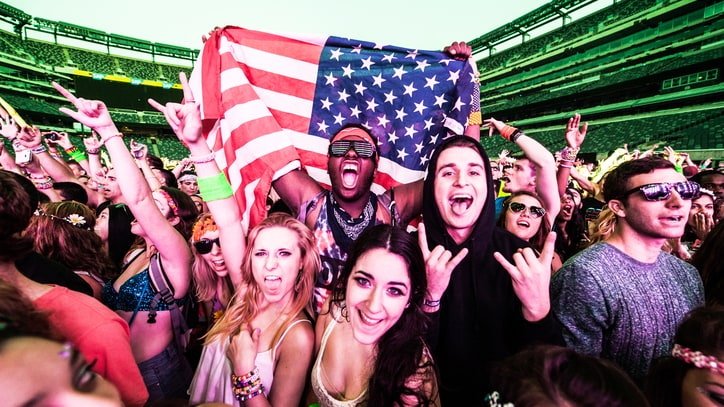 25 Raviest Things We Saw at Electric Daisy Carnival New York 2014