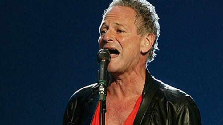Lindsey Buckingham Takes His Chances