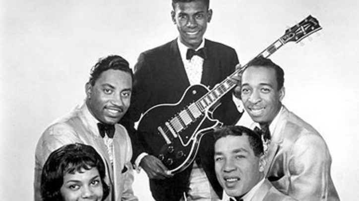 Smokey Robinson Guitarist Marv Tarplin Dead at 70
