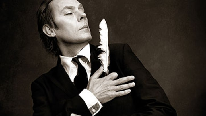 Free Download: Peter Murphy's Intense, Atmospheric 'Gaslit'