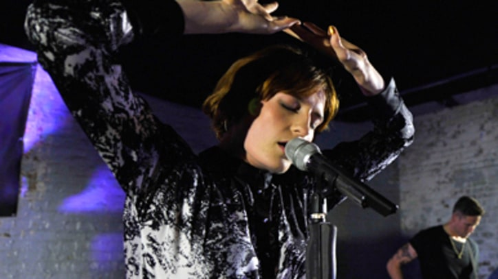Florence and the Machine Debut Dramatic New Music in Brooklyn