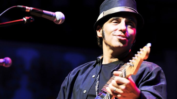 Nils Lofgren Dedicates New Album to Clarence Clemons