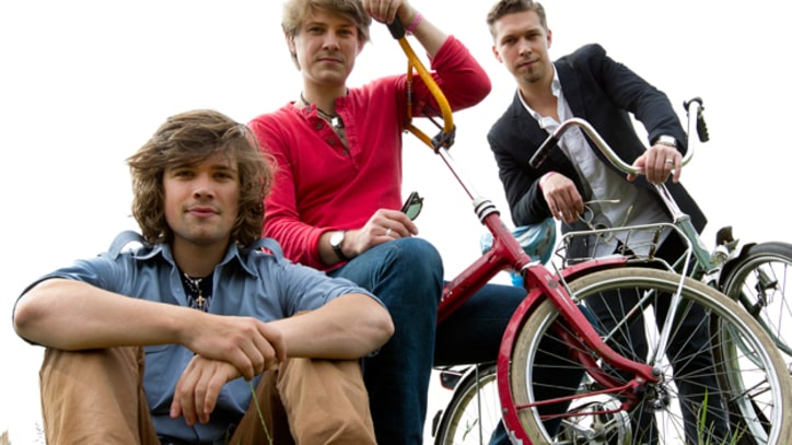 Hanson to Sell 'MMMHop' Beer