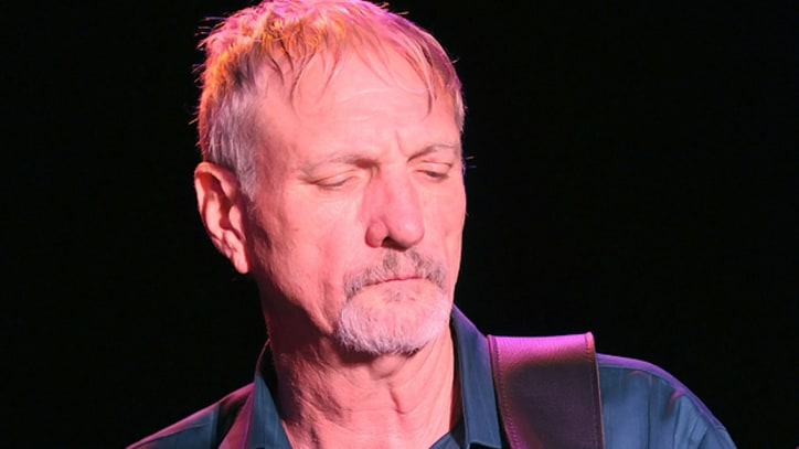 Willie Nelson's Longtime Bassist Dies Unexpectedly