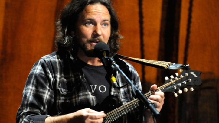 Tour Alert: Eddie Vedder Takes His Ukulele Back on the Road