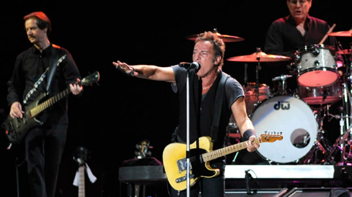 Bruce Springsteen Announces Dates for 'Wrecking Ball' Tour