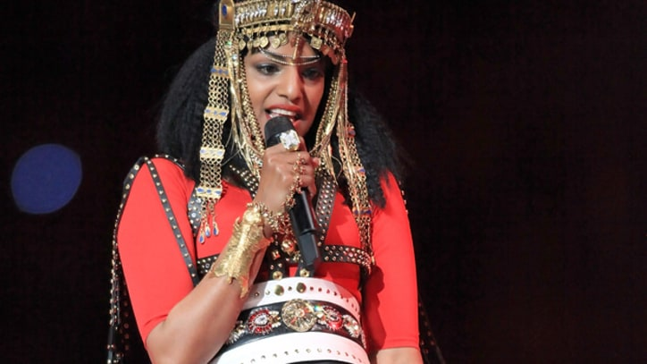 M.I.A. May Be Fined for Middle Finger at Super Bowl