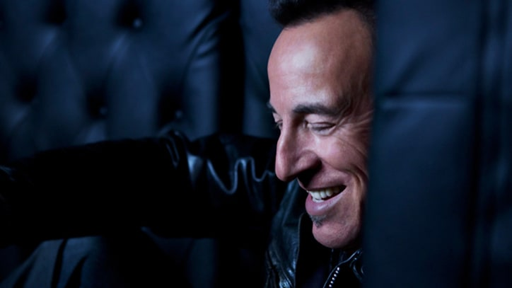 On the Charts: Bruce Springsteen Topples Adele
