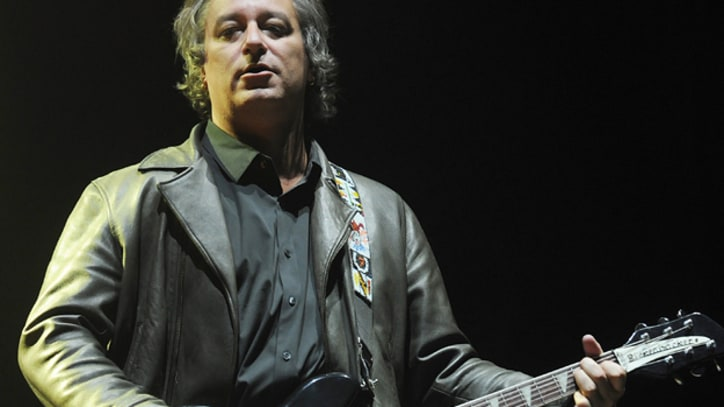 R.E.M.'s Peter Buck Plans Solo Album