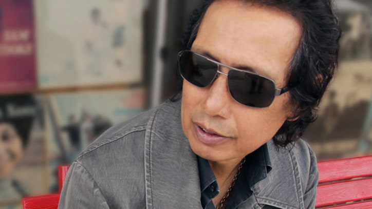 Song Exclusive: Alejandro Escovedo, 'Man of the World'