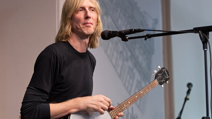 Eric Erlandson Talks About 'Letters to Kurt'