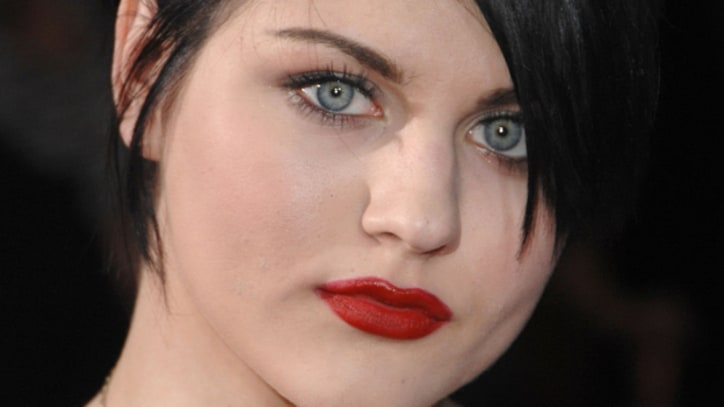 Frances Bean Cobain: 'Twitter Should Ban My Mother'