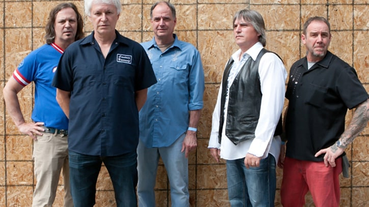 Exclusive Download: Guided By Voices' New, Improved 'Class Clown Spots a UFO'