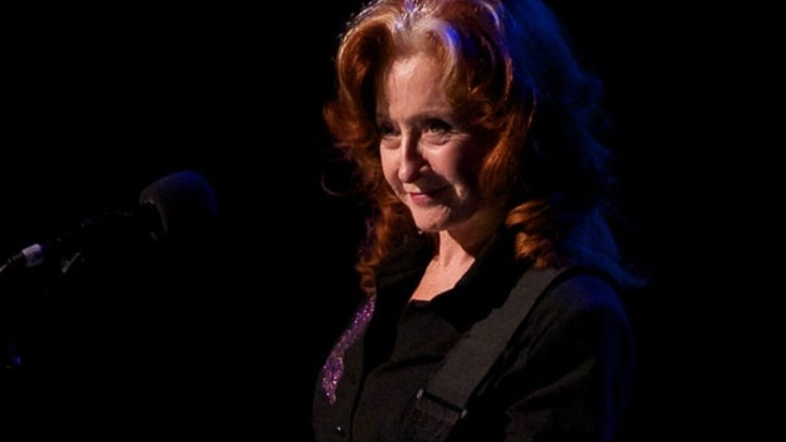 Bonnie Raitt Captivates in Chicago