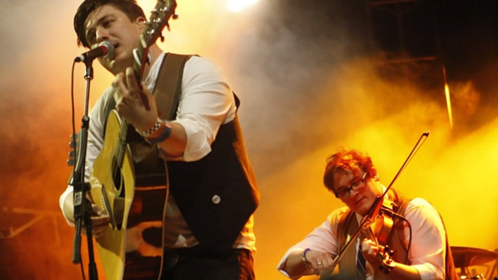 Mumford & Sons Reveal September Album Release Date, Jam With Springsteen