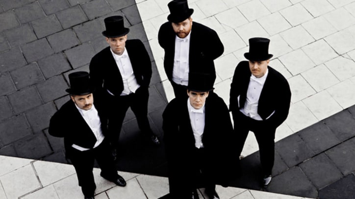 Song Premiere: The Hives, 'Insane'